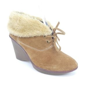 B. Makowski Nellie Suede Wedge Fur Lined Booties